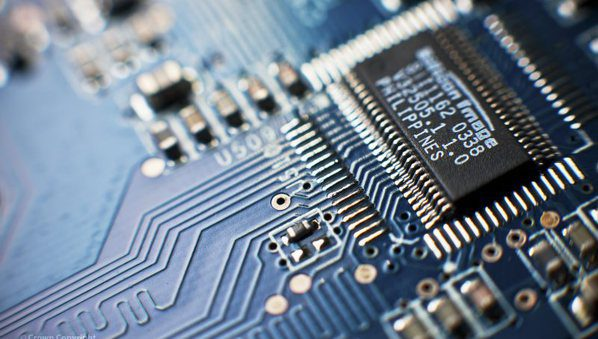 Circuit Board_Flickr_Defence Images_Harland Quarrington