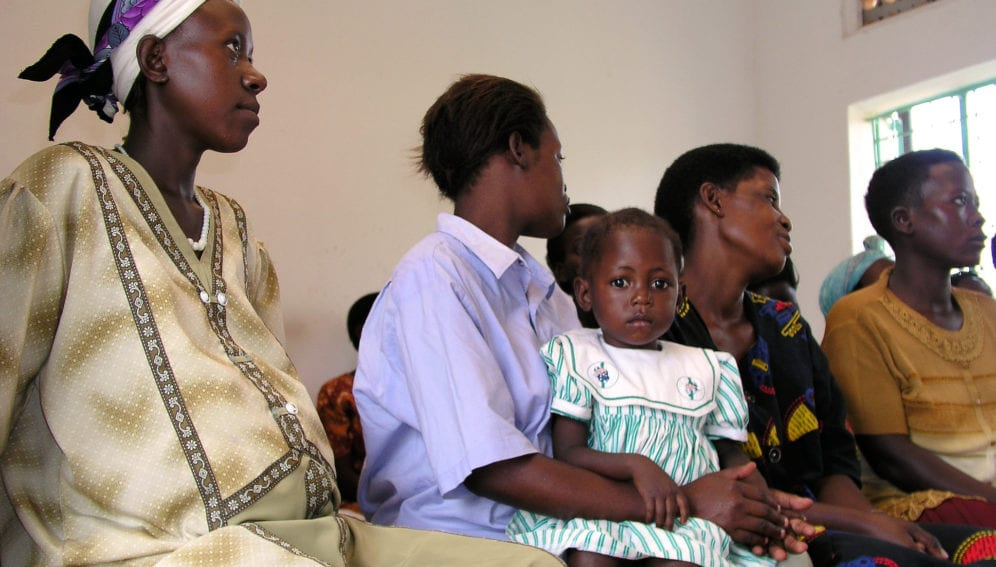 Pregnant woman and mother receive health education