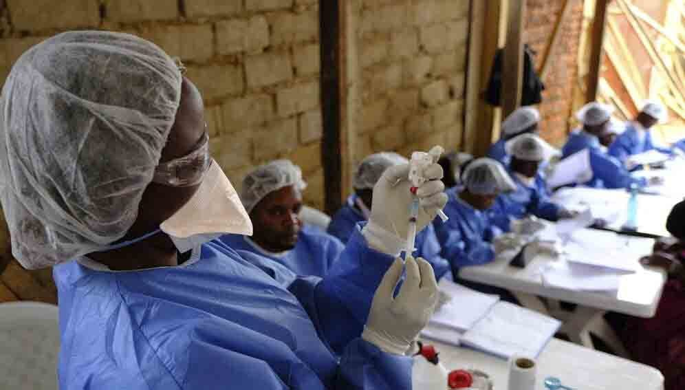 Beni Ebola Treatment Centre: Ebola vaccination team at the MSF-supported health center of Kanzulinzuli, in Beni, DRC.