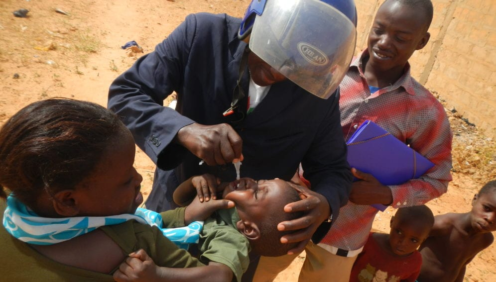 Drops of oral polio vaccine