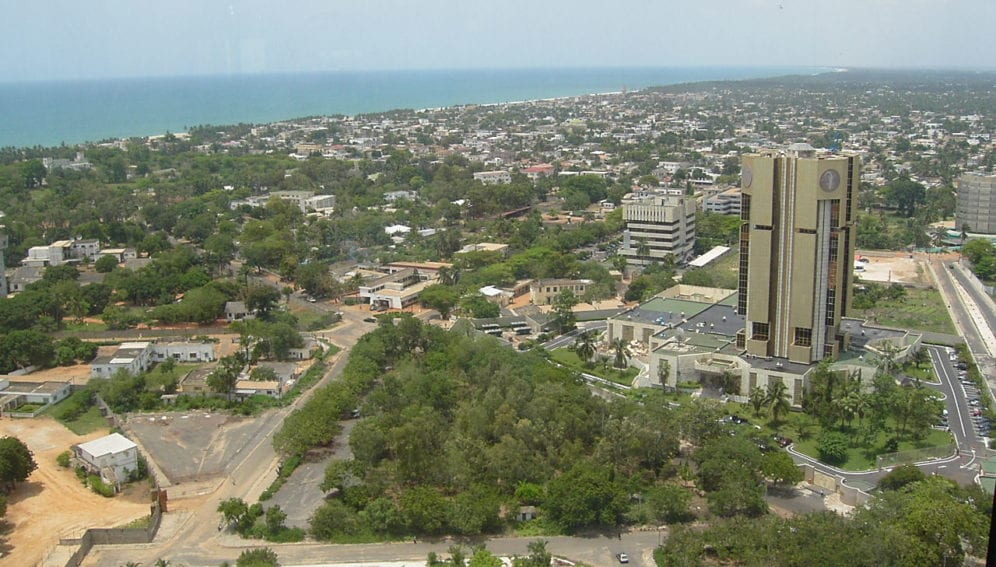 """File:Quartier des administrations (Lomé, Togo).jpg"" by SebEsteban is licensed under CC BY-SA 4.0"