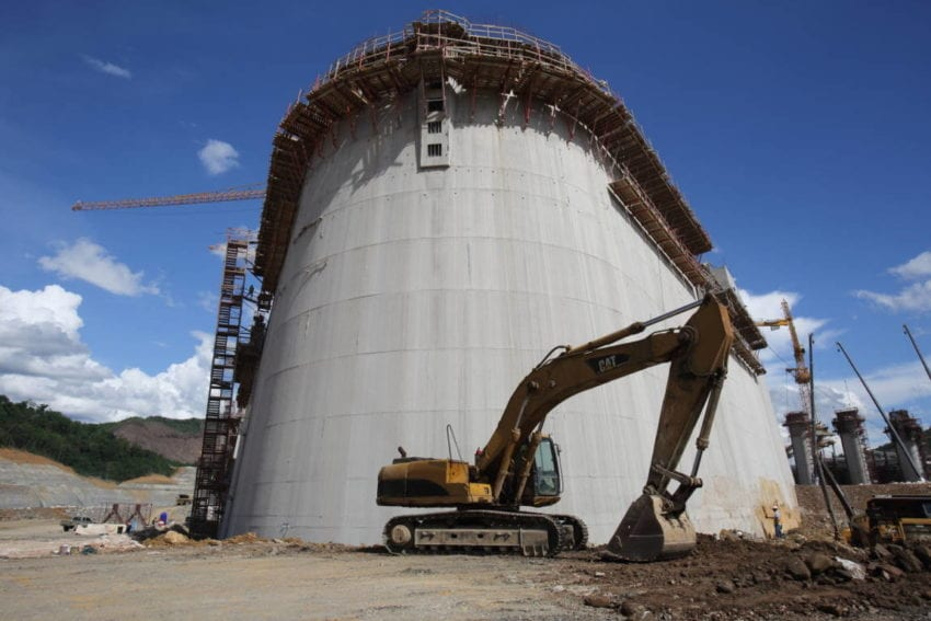 Building the dam and spillway gates requires thousands of cubic metres of concrete