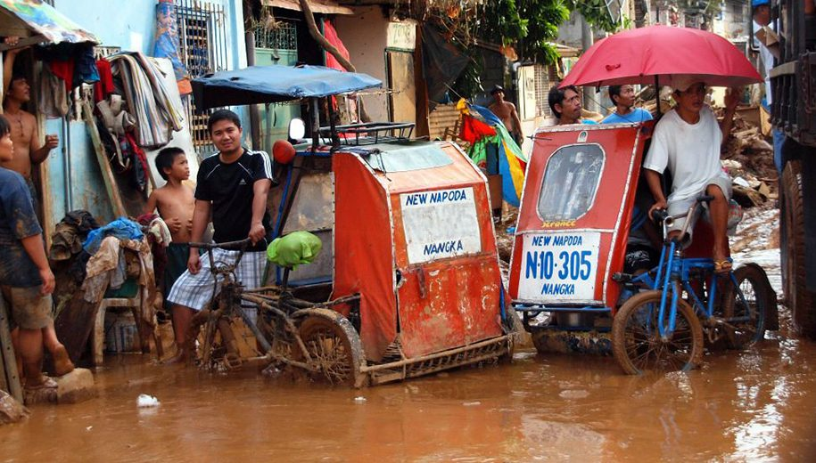 pedicabs in flooded area-main