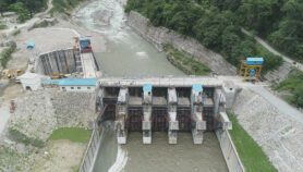 Himalayan hydropower 'clean but risky', warn scientists