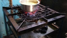 Biogas cooking 'halves wood smoke and toxic agents'